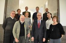 De VVIA-delegatie en de medewerkers van het Agentschap Onroerend Erfgoed bij Vlaams Minister-President Geert Bourgeois
